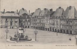 Charleville 08 - Place Ducale - 1922 - Editeur Maurice Guillaume N° 9 - Charleville