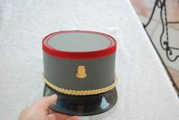 Képi De Gendarmerie Suisse Lausanne - Hoeden