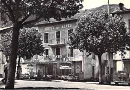 """06 - GUILLAUMES : Hotel Des Alpes """" LES ROUTIERS """" - CPSM Dentelée Noir Blanc GF - Alpes Maritimes - France"""