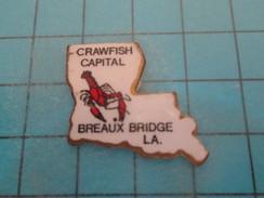 Pin1417 Pin´s Pins / Beau Et Rare : HOMARD LANGOUSTE CRAWFISH CAPITAL BREAUX BRIDGE  LOUISIANE  Marquage Au Dos : - ---- - Animaux