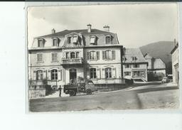 90 ROUGEMONT Le CHATEAU Mairie Et Ecole , Camion , , Voiture 2 CV - Rougemont-le-Château