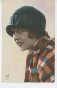FEMMES - FRAU - LADY - MODE - CHAPEAUX - Jolie Carte Fantaisie Portrait Femme Avec Chapeau - Women