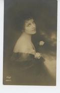 FEMMES - FRAU - LADY - Jolie Carte Fantaisie Portrait Femme Romantique - AMAG 62241/1 - Women