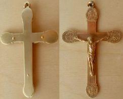 CROIX-017 Croix Ancienne En Métal Jaune Aux 4  Extrémités Arrondies Ouvragées - Religión & Esoterismo