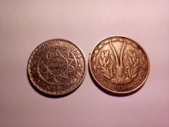 LOT DE 2 BELLES MONNAIES AFRICAINES MAROC 10 Francs 1366 AFRIQUE DE L'OUEST 25 FRANCS 1976 Voir Photos - Maroc