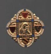 Broche ((no Pin's)) ARTHUS BERTRAND PARIS...DIOCESE  DE CAMBRAI...DOS STRIE - Arthus Bertrand