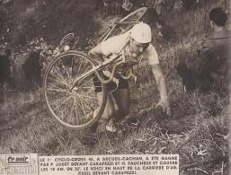 CYCLISME :  1er Cyclo-cross De Arcueil-Cachan En 1946 . P . JODET Peu Avant Sa Victoire - Radsport