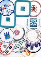 Lot De 14 Sous Verres Publicités Club Med, Jianguo Hotel, Prince Hotel Hong Kong - Publicidad