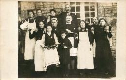 CARTE PHOTO  GROUPE D'EMPLOYES  DE CAFE - Postcards