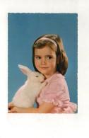 Petite Fille Et Son Lapin - Animaux & Faune