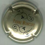 CAPSULE-CHAMPAGNE MONCUIT Pierre N°06b Fond Or Pâle & Noir - Sonstige