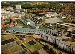 CPM, NANTES (44) Lycée Technique La Chauvinière, Jamais Voyagée, Petites Taches Rouilles Verso - Nantes