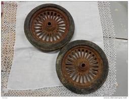 2 Roues Pour Jouet Diametre Total 15cm -diametre Du Trou 1cm- - Autres Collections