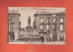 * CPA..dépt 51..REIMS :  Statue De Louis XV - Prisonniers Allemands Dégageant La Statue..n°31  : Voir 2 Scans - Reims
