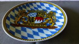 BAYERN LÖWE KRONE - THIERSHEIM KÖNIG PORZELLAN BAVARIA - ASSIETTE MURALE PORCELAINE - BLASON LION & COURONNE - Bavaria (DEU)