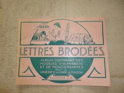 Album De Modèles Lettres Brodées - Creative Hobbies