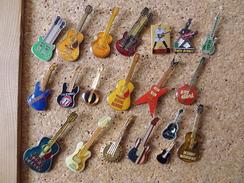 Lot De Pin's Sur Les Guitares - Music