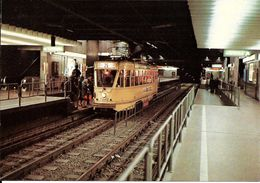 Bruxelles (1000) : Métro De Bruxelles, En Version Prémétro - Ligne 1, Station Arts-Loi. CPSM. - Vervoer (ondergronds)