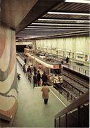 Bruxelles (1000) : Métro De Bruxelles, En Version Prémétro - Ligne 2, Station Luxembourg. CPSM. - Transport Urbain Souterrain