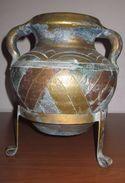 ANFORA CON BASE IN METALLO - Ceramica & Terraglie