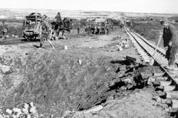 Militaria WW1 - Réparation D'une Voie Ferrée étroite Par Le Génie Anglais - 1914-18