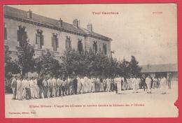 CPA * 54 * TOUL * Hôpital Militaire *1915* Appel Des Infirmiers Et Ouvriers * Animation * Scann Recto Verso - Toul