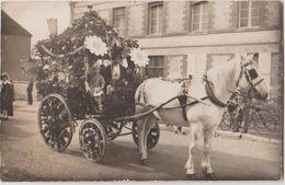 CPA PHOTO 10 VILLENEUVE AU CHEMIN Grande Rue Fête Cavalcade Char Fleuri Cheval Photographe THALMARD à Bouilly Rare - Non Classés