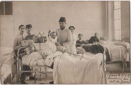 Carte Photo Militaria Hôpital Du Val De Grace Blessé Infirmière Médecin Beau Plan - Guerra 1914-18