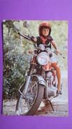 CPA   Fillette Sur Un Moto Honda D'adulte - Motorbikes