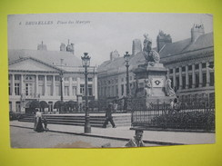 CPA  Place Des Martyrs  à Bruxelles - Monuments