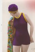 Mode ,fantaisie ,femme En Maillot De Bain - Women