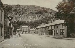 A-17.6538 :  SQUARE AND CORN EXCHANGE TREMADOC - Pays De Galles