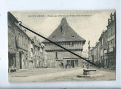 CPA - Saint Céré - Place De L'Hôtel De Ville Et La Fontaine - Saint-Céré