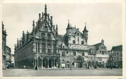 MECHELEN - Stadhuis En Oude Lakenhallen. - Mechelen