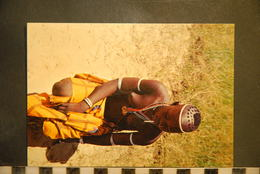 CP, AFRIQUE, CAMEROUN - MOKOLO - BELLE ET DISCRETE - FEMME AUX SEINS NUS - Cameroun
