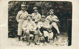 CARTE PHOTO  - GROUPE DE POILUS DU 298° REGIMENT D' INFANTERIE DE ROANNE (42 - LOIRE) - BEAU PLAN. - Guerra 1914-18