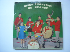 2 DISQUES 45 T OFFERTS PAR LE CHOCOLAT POULAIN AVEC  LIVRET TOUR DE FRANCE CYCLISTE - GRAND PRIX DE LA MONTAGNE POULIDOR - Vinyles