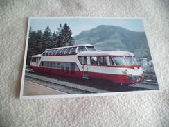 AUTORAIL PANORAMIQUE 825 CH EN GARE DE LA BOURBOULE - Trains