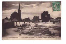 85 Le Poiré Sur Vie Vue D' Ensemble De La Place Au Clair De Lune Edit Artaud-Nozais Cpa Café Du Commerce - Poiré-sur-Vie