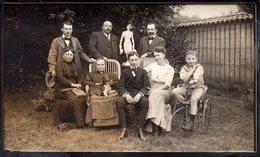 Photo Originale Famille & Tricycle Vers 1910 - Famille Olganier, Ruet, Maillod, Blanc, Posant Avec Chien & Statue - Cyclisme