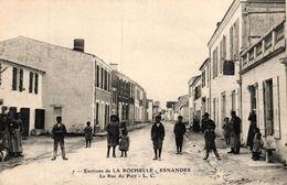 ENVIRONS DE LA ROCHELLE ESNANDES -16- LA RUE DU PORT - La Rochelle