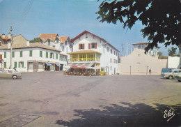 Bidart (64) - La Place Et Le Fronton - Bidart