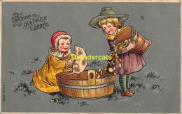 CPA CARTE EN RELIEF GAUFREE ENFANT   EMBOSSED CARD CHILD COCHON PIG MSIB 13796 - Cochons