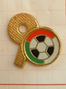 Pin´s FOOTBALL - WORLD CUP  ITALIA 90 - Football