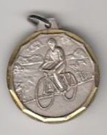 CYCLING, METAL BADGE - Cyclisme
