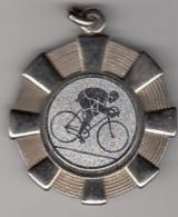 CYCLING, ITALIAN CHAMPIONSHIP, 3RD ROUND, METAL BADGE, 1991, ITALY - Radsport
