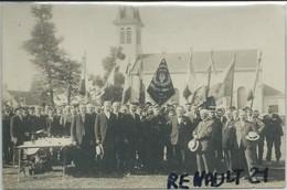 Orvillers-Sorel-Carte Photo-Une Manifestation à Orvillers-Sorel (Drapeau De L'amicale D'orvillers Sorel,scan Agrandi) - Altri Comuni