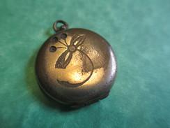 Bijou Fantaisie Ancien/Médaille/2 Photos à L'Intérieur/Pendentif Gousset Plaqué Or Pour Chaînette/ Vers 1914-18  BIJ28 - Pendants