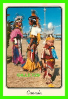 INDIENS - INDIENS CANADIENS DANS LEUR COSTUMES MATERNELLE - CIRCULÉE EN 1989 - - Indiens De L'Amerique Du Nord