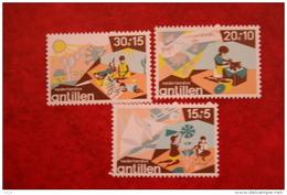Kinderzegels ; NVPH 515-517; 1975 MNH / POSTFRIS NEDERLANDSE ANTILLEN / NIEDERL. ANTILLEN / NETHERLANDS ANTILLEN - Niederländische Antillen, Curaçao, Aruba